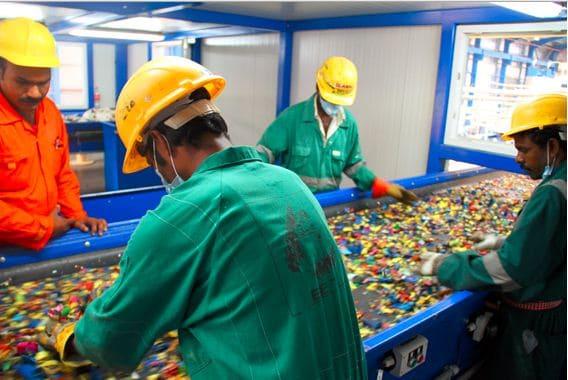 مصنع تدوير البلاستيك