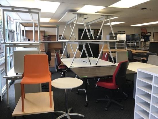 اثاث مكتبي مستعمل